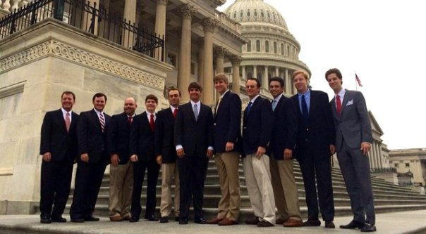 Justin Thomas (5th from the Right) and his Alabama Teammates at the nation's capital | Photo from GolfWeek.com