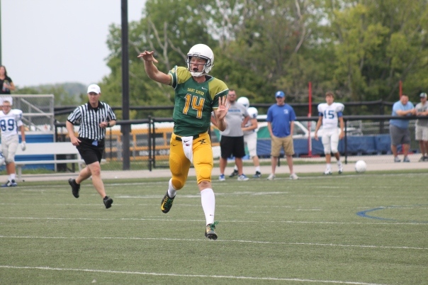 Noah Houk threw two touchdown passes on Saturday. | Photo by Jacob Hayslip